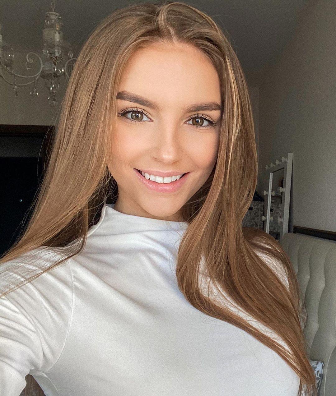 Galina Dub blond hairstyle, Cute Girls Face, Beautiful Lips