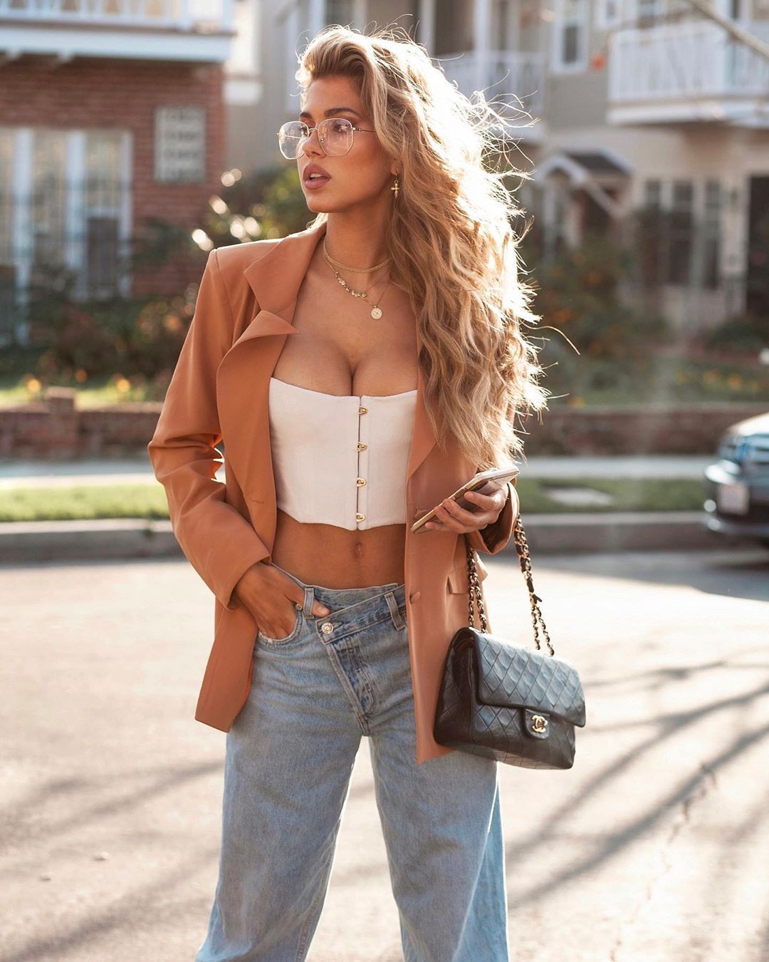 beige outfit ideas with denim, jeans, fashion tips