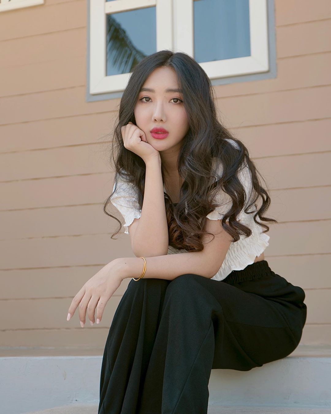 Hsu Eaint San girls photoshoot, Beautiful Lips, Cute Long Hairstyles
