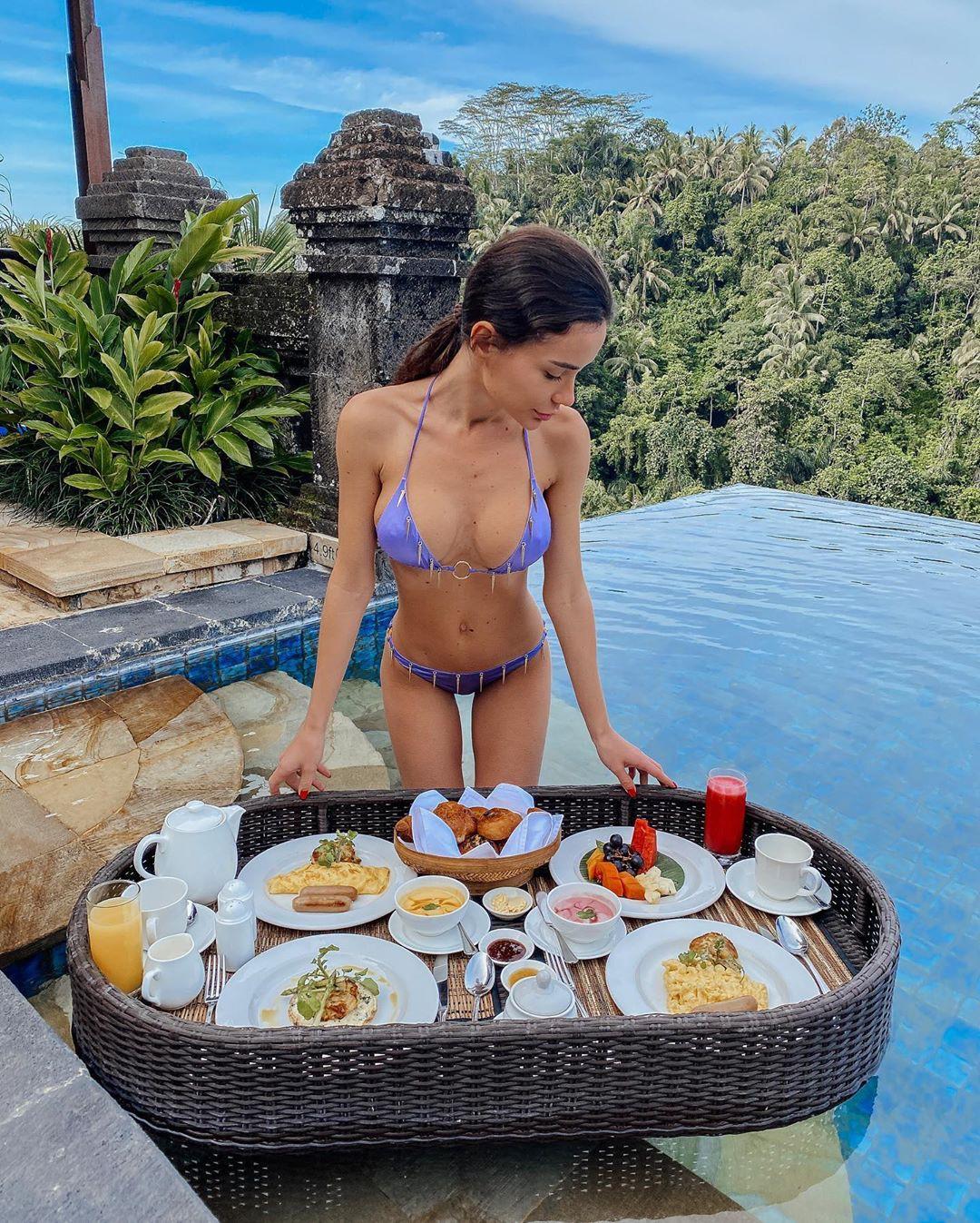 Ekaterina Zueva bikini swimwear classy outfit, recreation