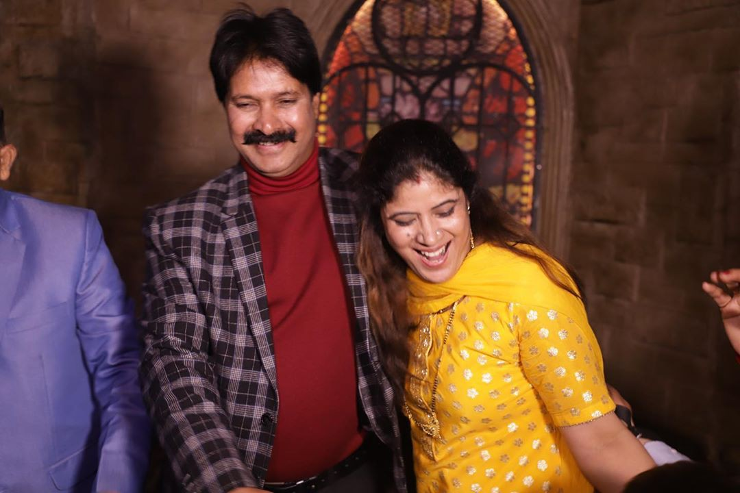 Shivangi Joshi enjoying life, temple, smile