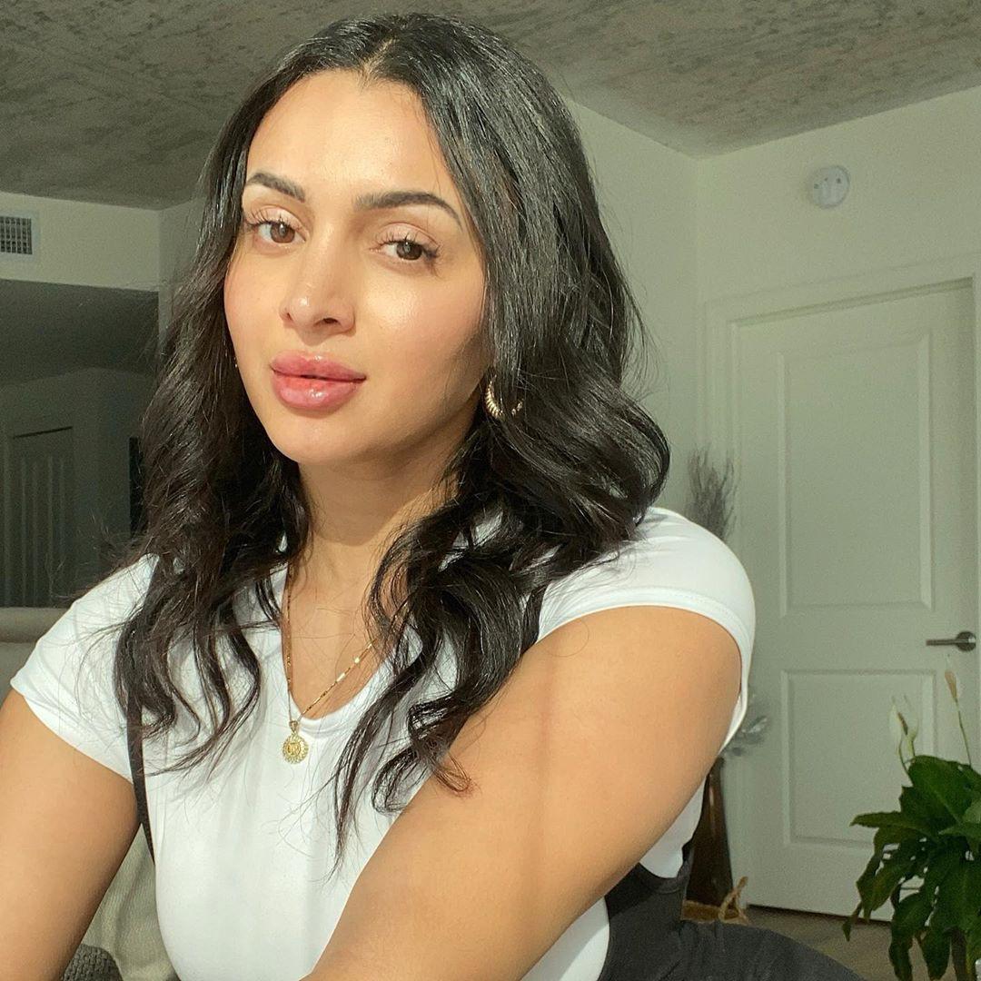 Nebby Fusco Black Hair For Girls, Face Makeup, Lip Makeup