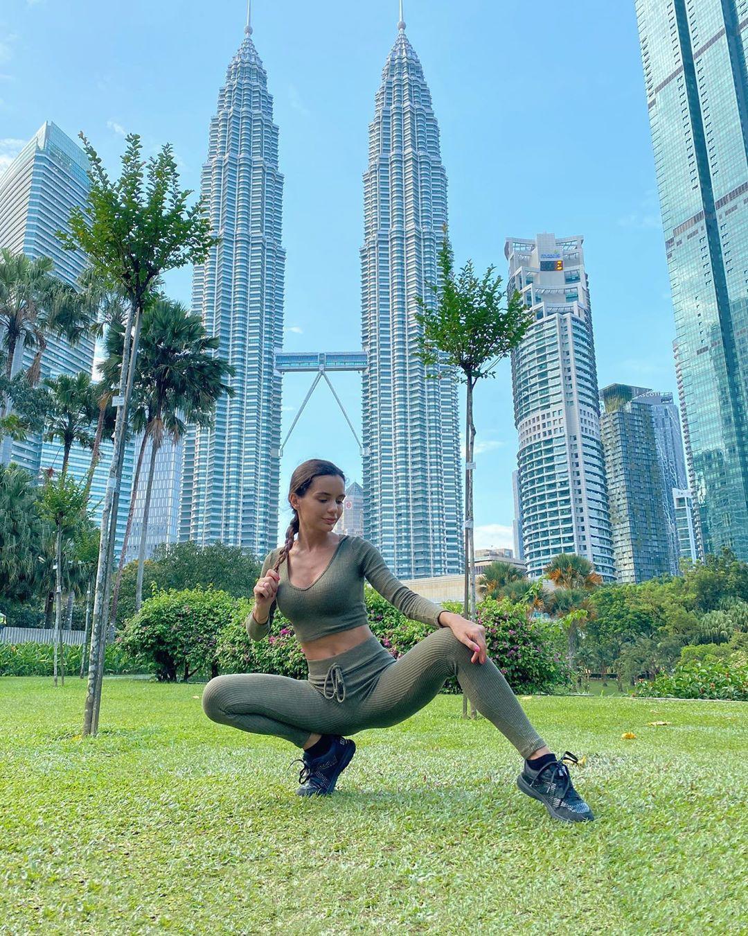 Ekaterina Zueva, physical fitness, condominium, tower block