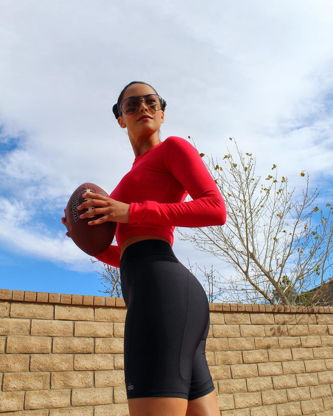 Raquel Pomplun cycling shorts, sportswear colour outfit, you must try, fine legs