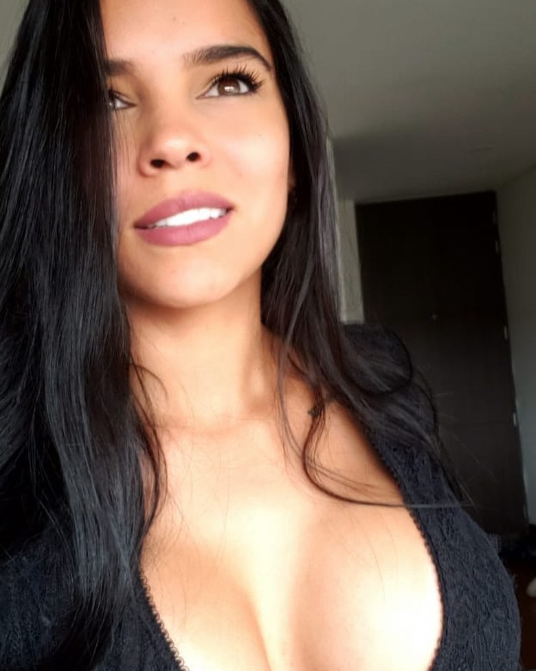 Daniela Baptista Black Hair Color, Pretty Face, Lip Makeup