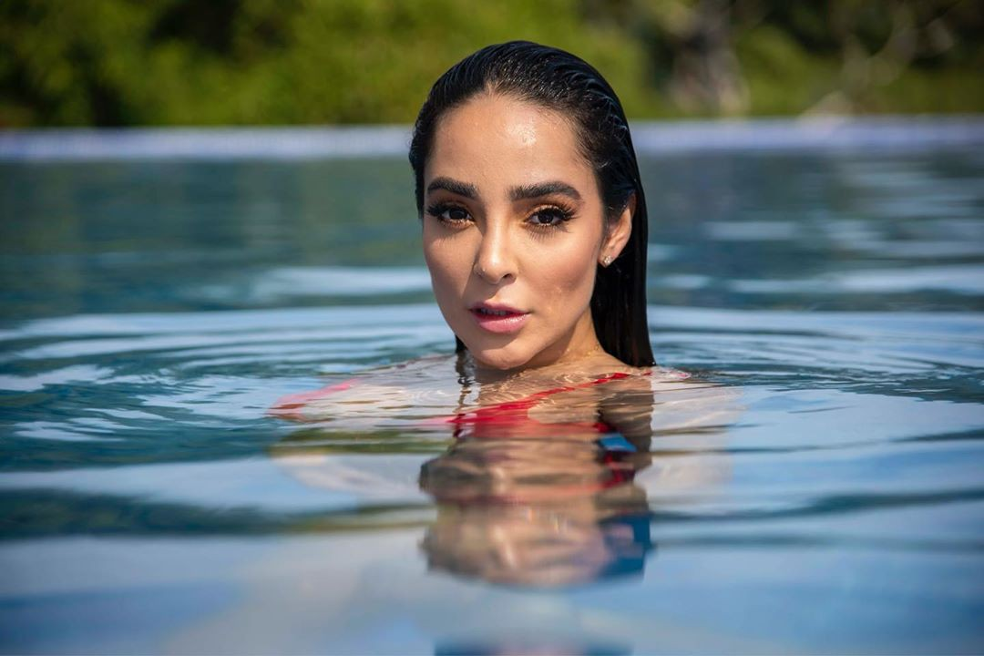 Manelyk Gonzalez enjoying her day, Cute Girls Face, Natural Lips