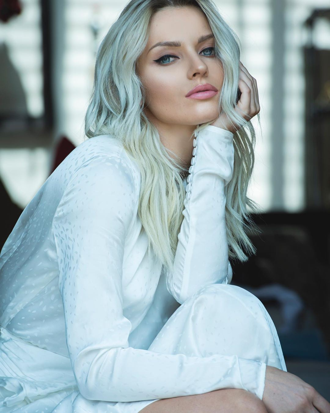 Irina Baeva blond hairstyle, Face Makeup, Girls Lips