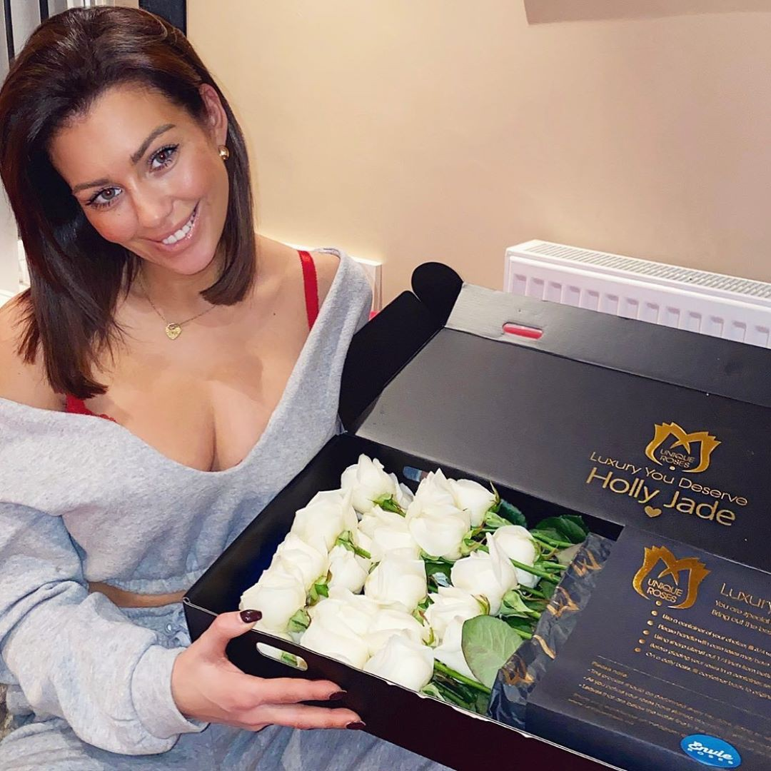Holly Peers floral design dresses ideas, artificial flower, flower arranging