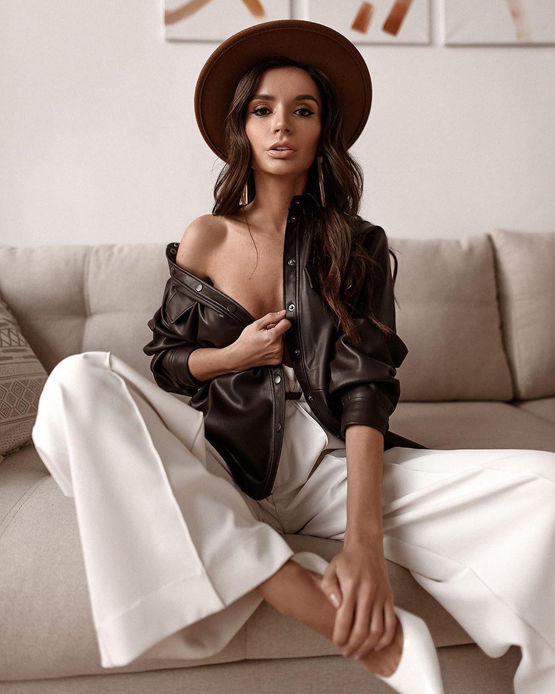 Ekaterina Zueva dress for women, photoshoot poses, legs picture