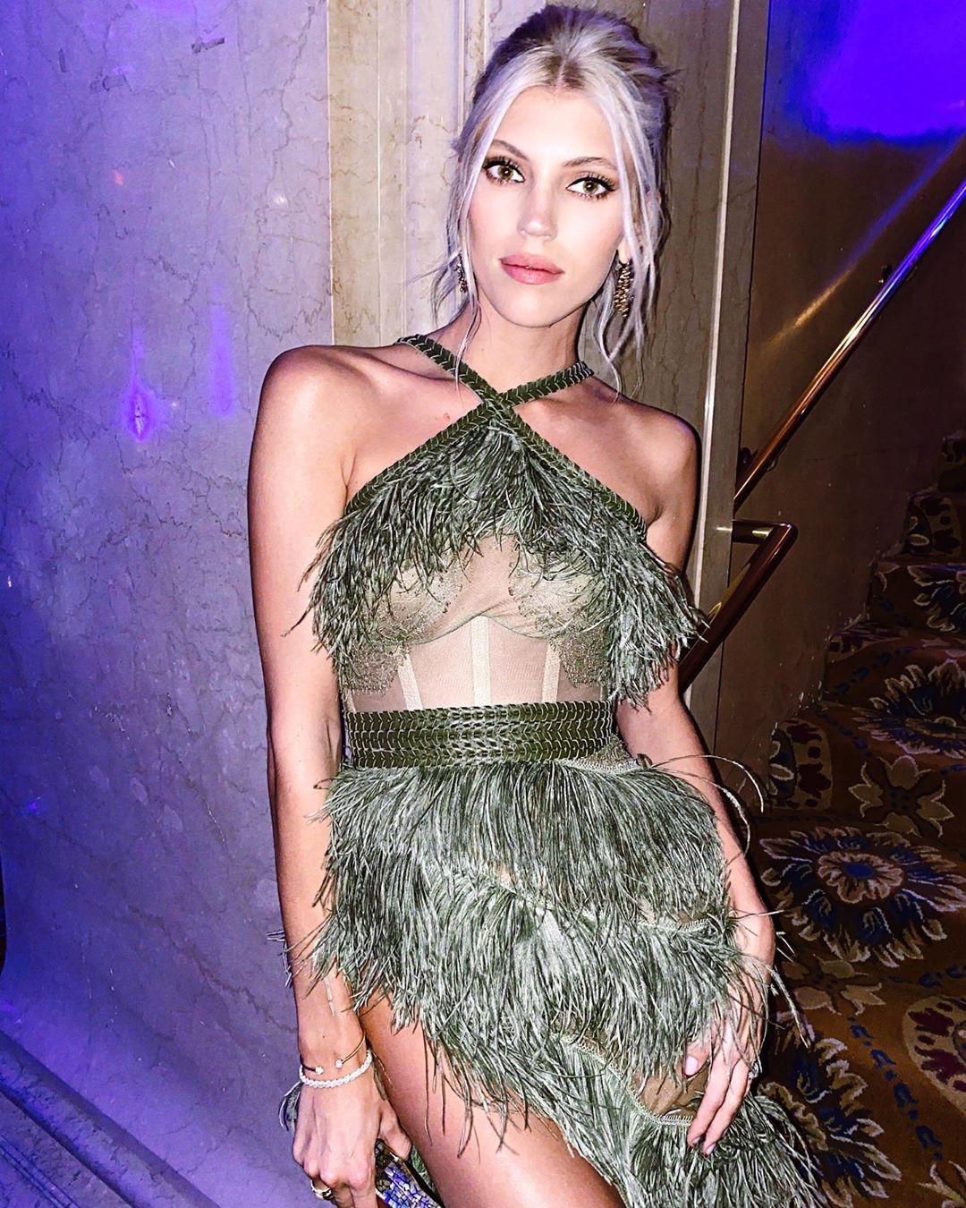 Devon Windsor cocktail dress colour combination, legs photo