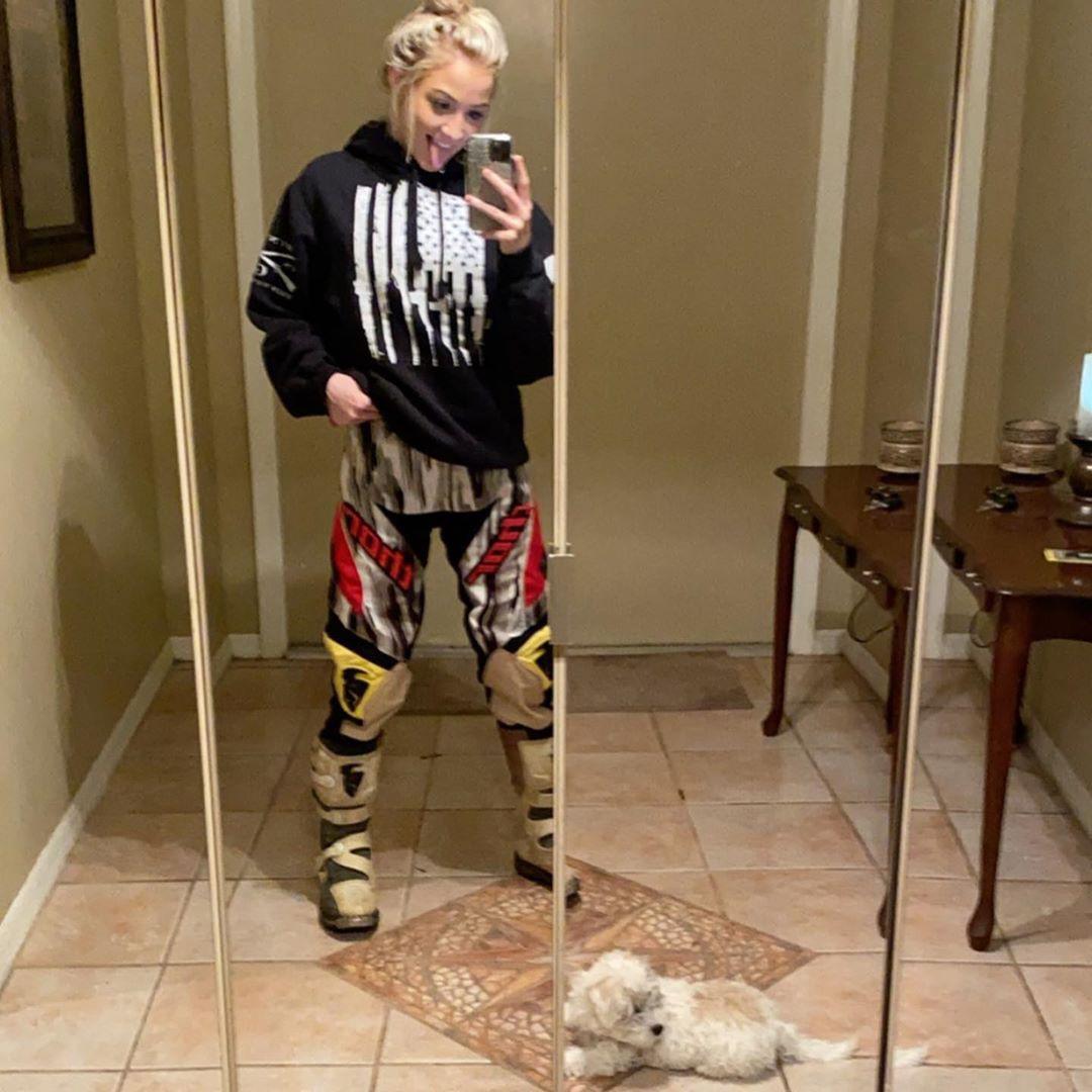 Jay Sage sportswear, trousers matching style, cute girls photos
