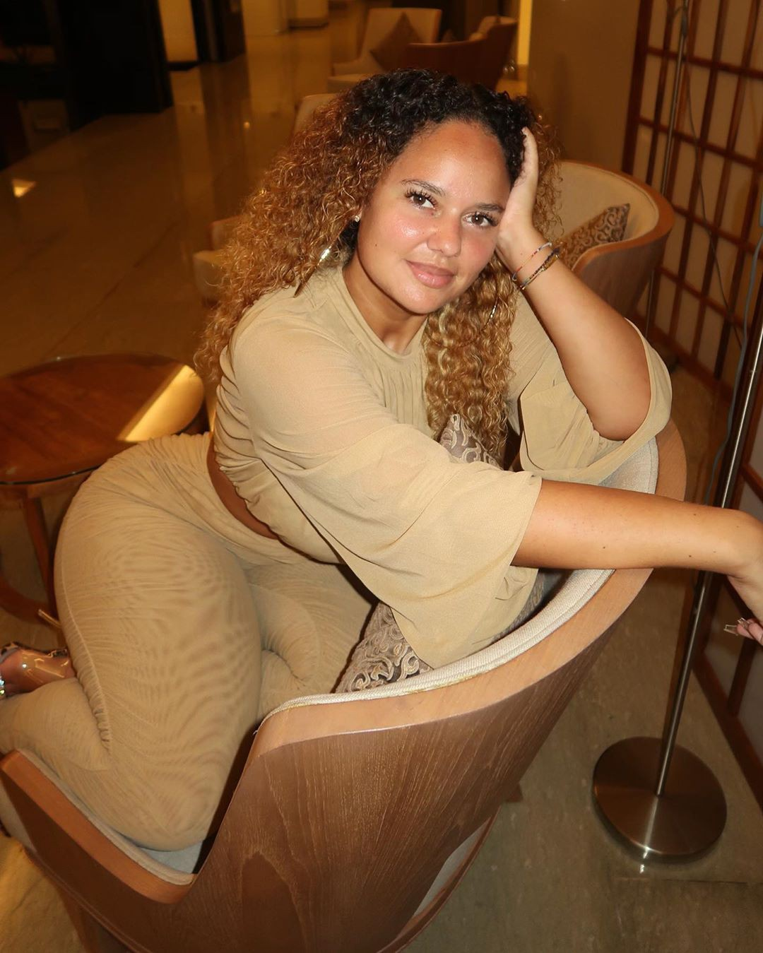 Pamela Alexandra woman thighs, fine legs, Long Hair Style