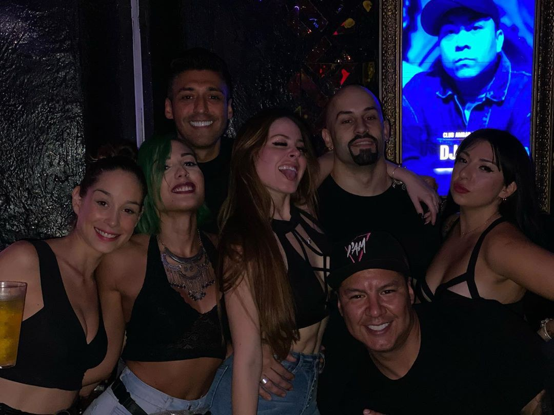 Ignacia Michelson having fun, social group, nightclub