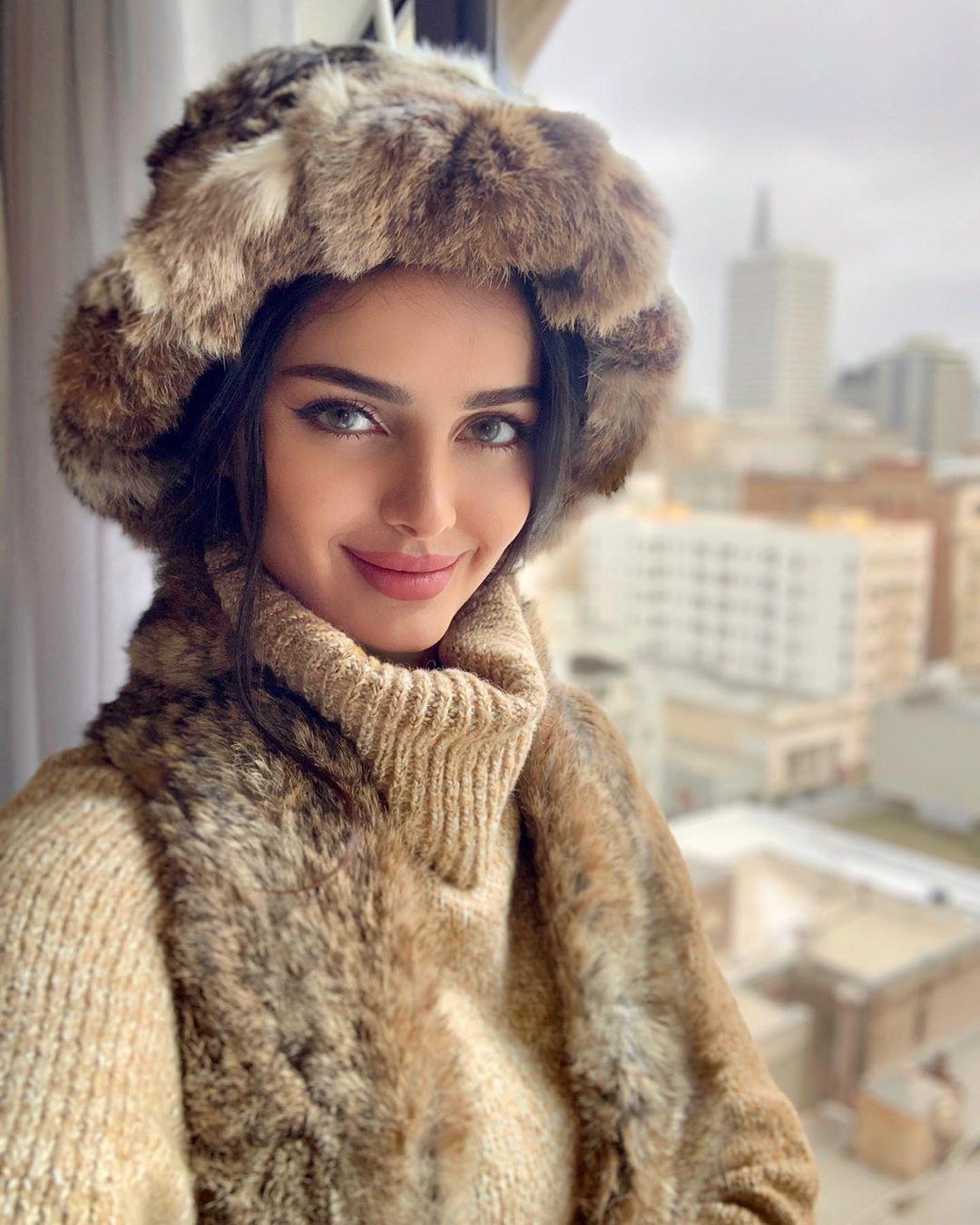 Mahlagha Jaberi fur clothing, fur dresses ideas, Lip Makeup