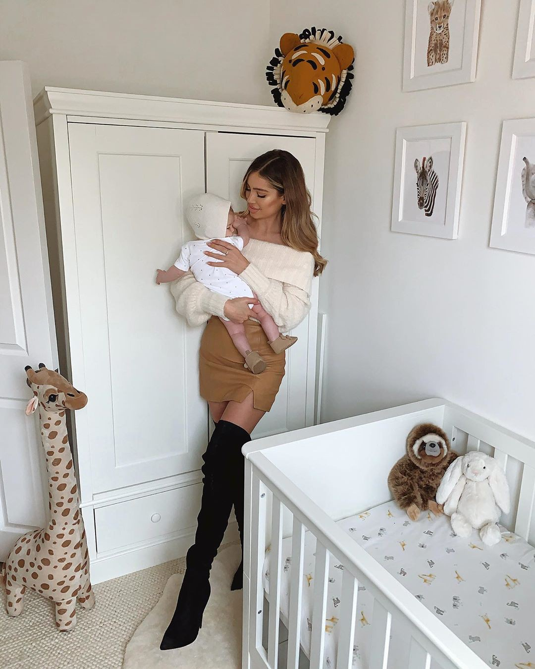 white outfits for girls with fur stocking, tights, fur