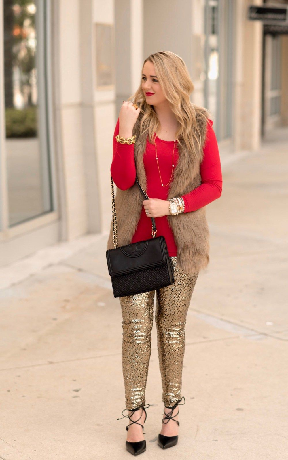Pink and red outfit ideas with leggings, tights, jeans