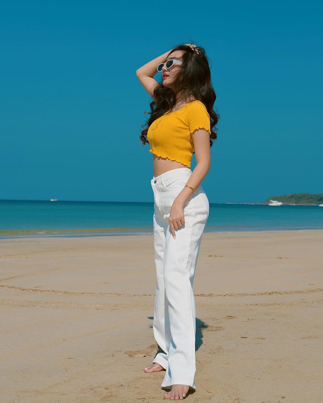 Hsu Eaint San hot girls photoshoot, costumes designs, photo shoot