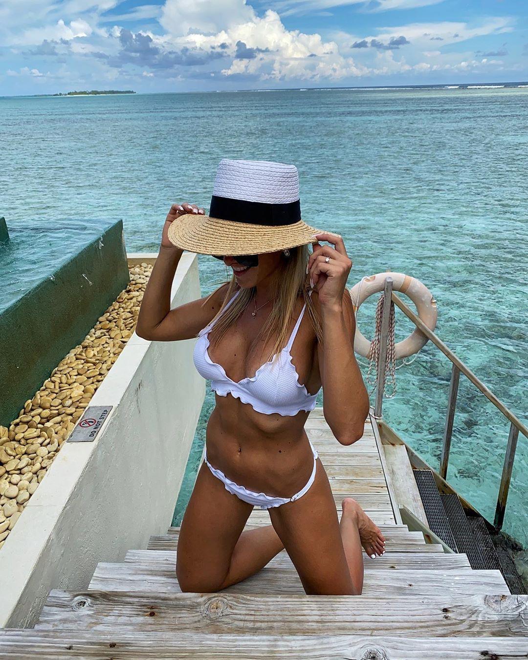 Amanda Ferguson hot pics in lingerie, bikini bodies swimwear matching outfit