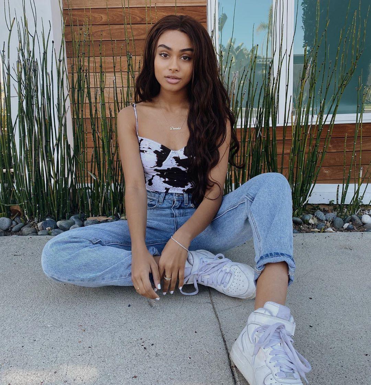 Daniella Perkins jean short, denim, jeans outfit ideas