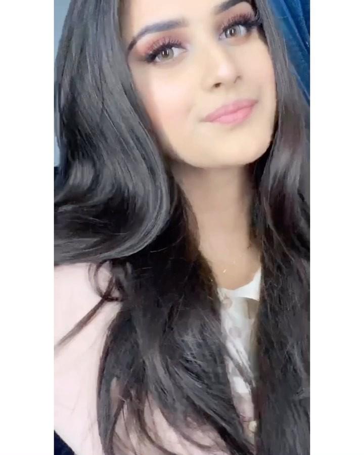 Alishbah Anjum Black Hair Color, Pretty Face, Glossy Lips