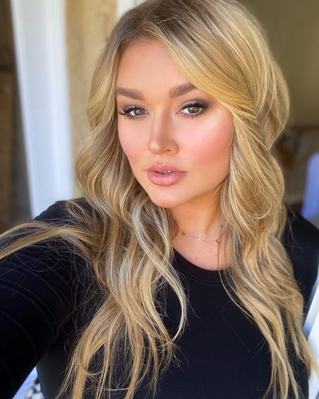 Hunter McGrady blond hairs, Girls With Cute Face, Natural Lips
