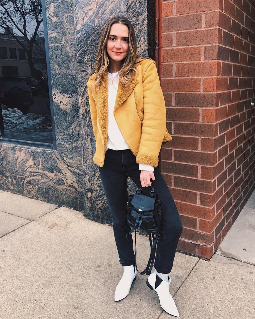 Yellow and white jeans, girls instgram photography, wardrobe ideas