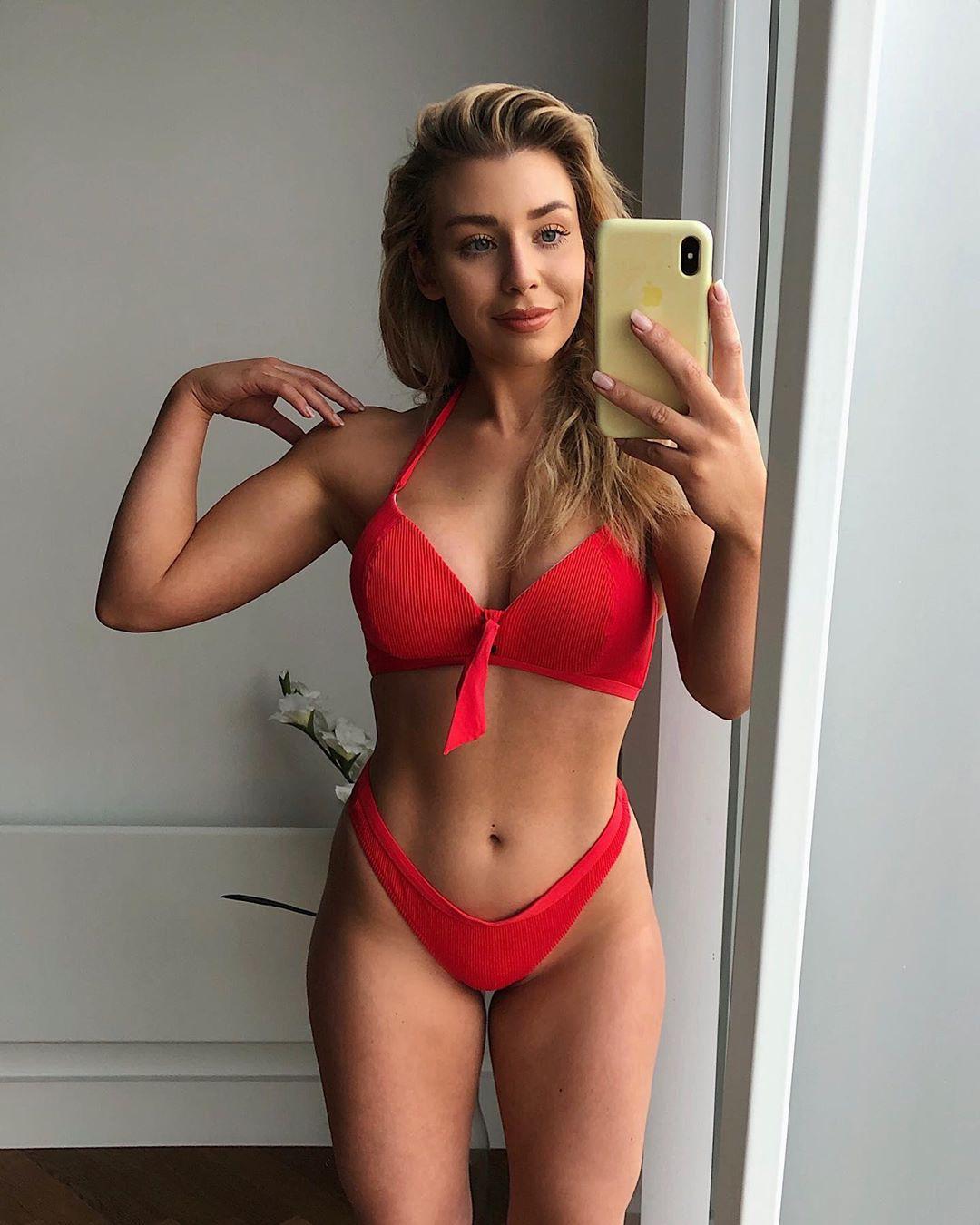 Sophie Cute Hot Girls On The Insta, latest lingerie photo, bikini ideas swimwear outfit ideas