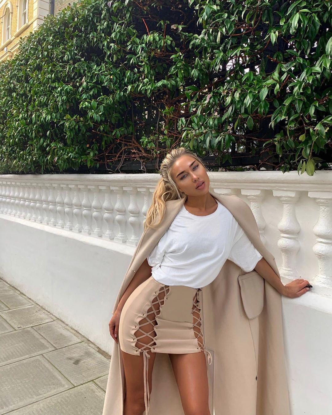 Anna Mathilda girls instagram photos, hot legs picture, attire ideas
