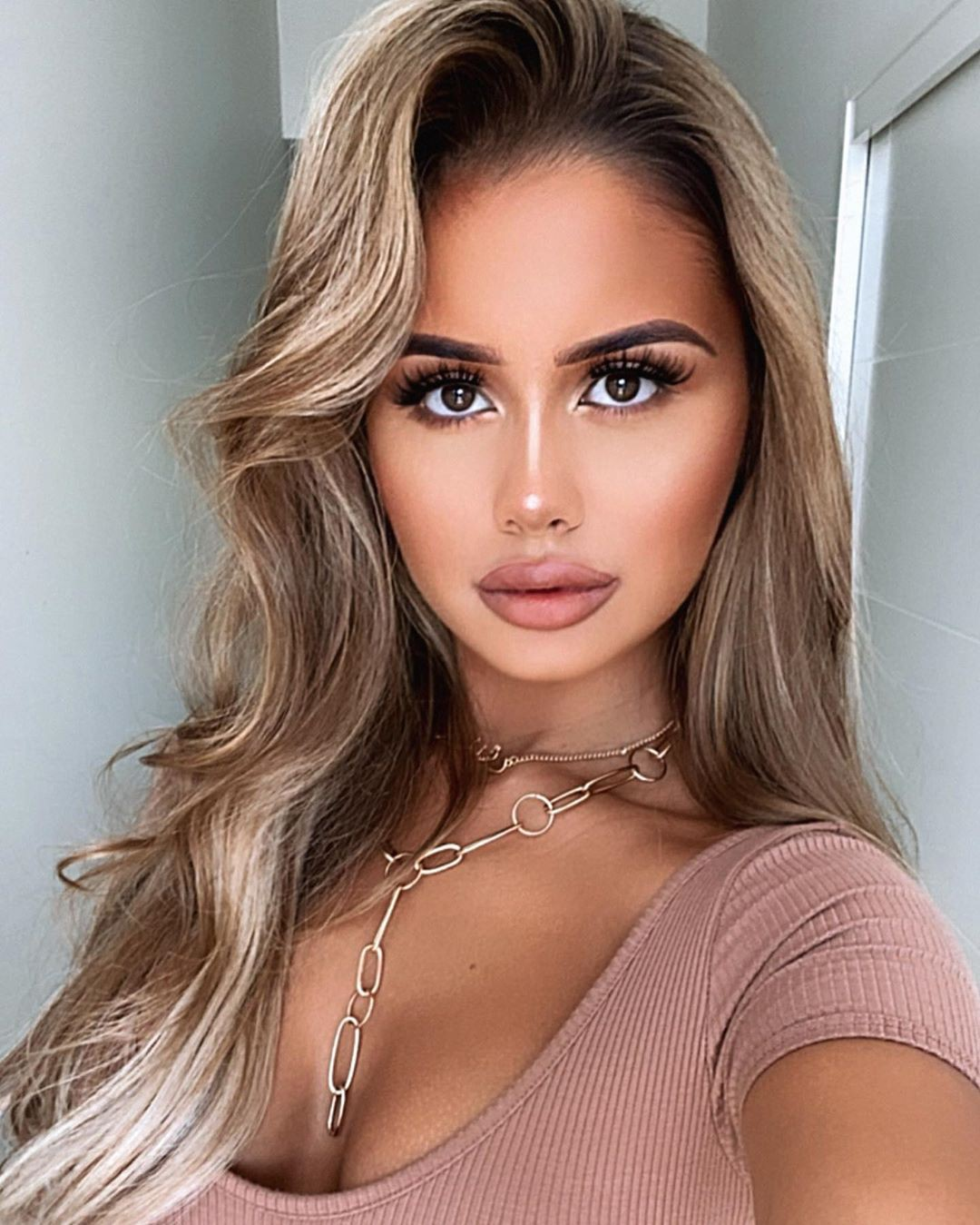 Tarsha Olarte cute blond hairs, Face Makeup Ideas, Beautiful Lips