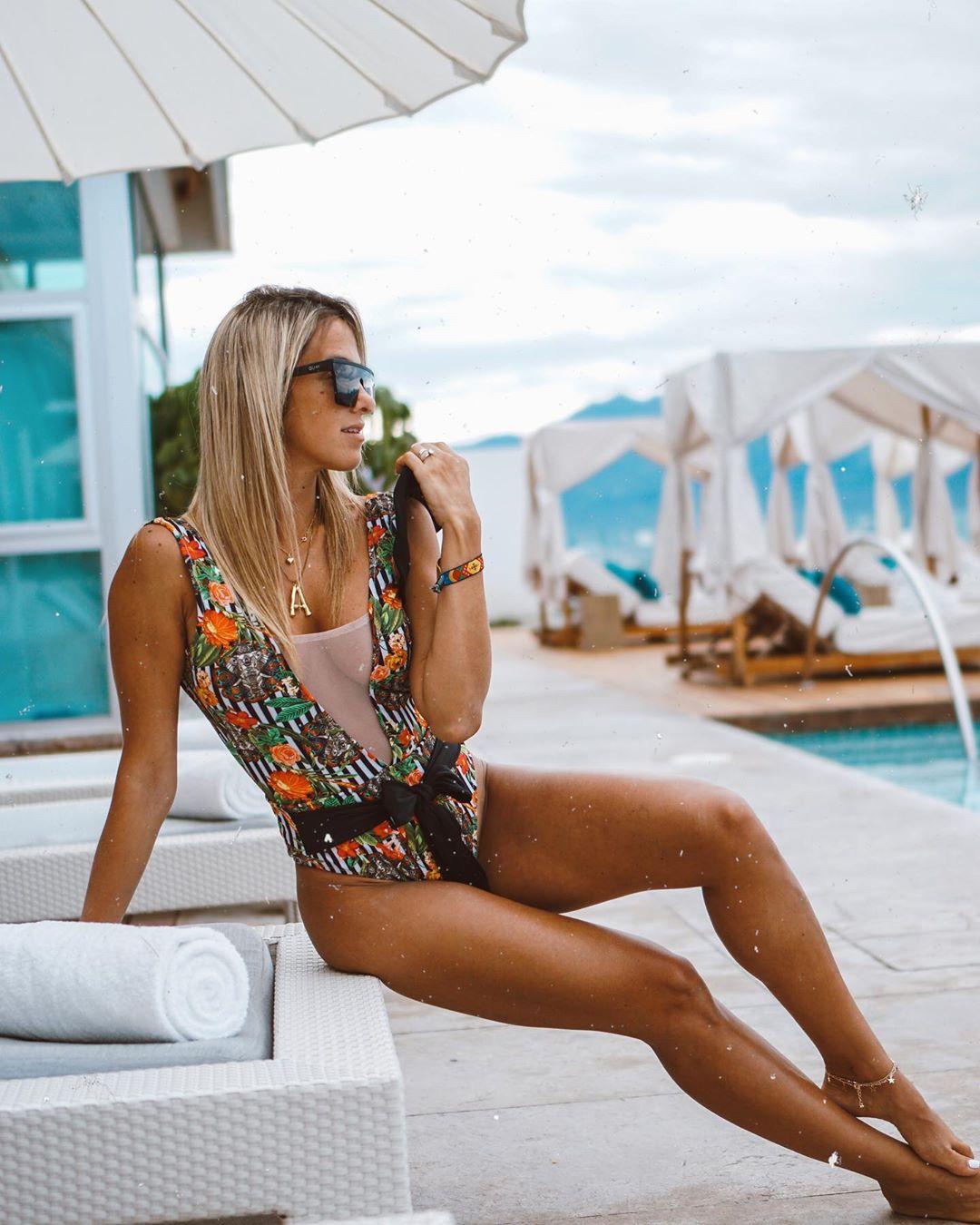 Amanda Ferguson summer bikini style swimwear matching outfit, smooth legs