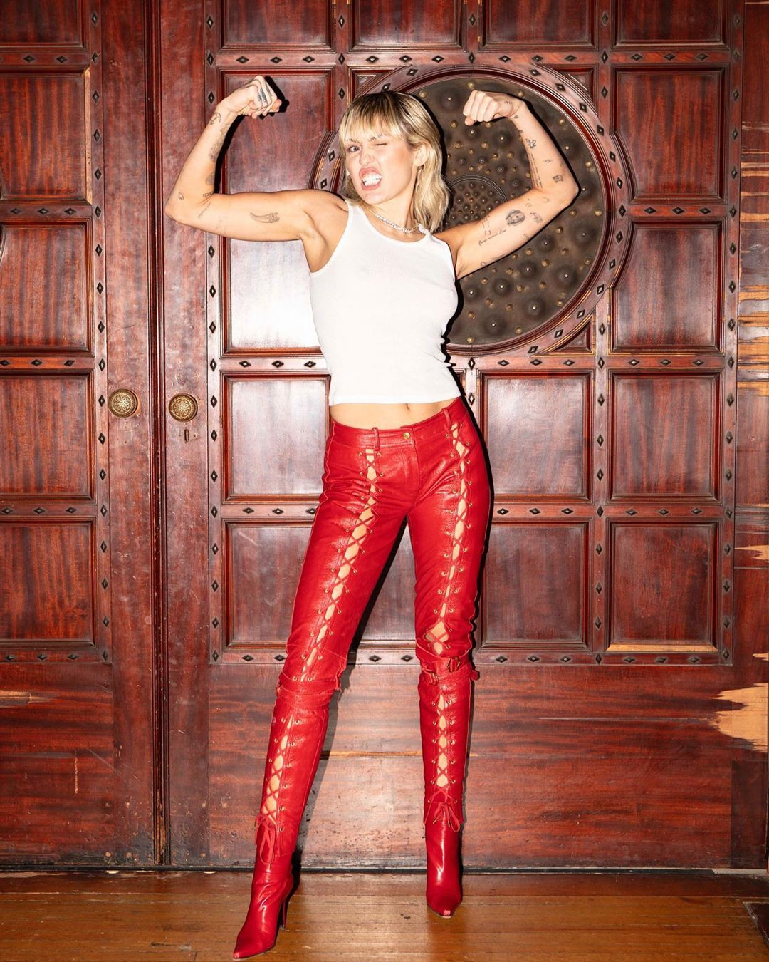 mileycyrus trousers, leggings, jeans matching outfit