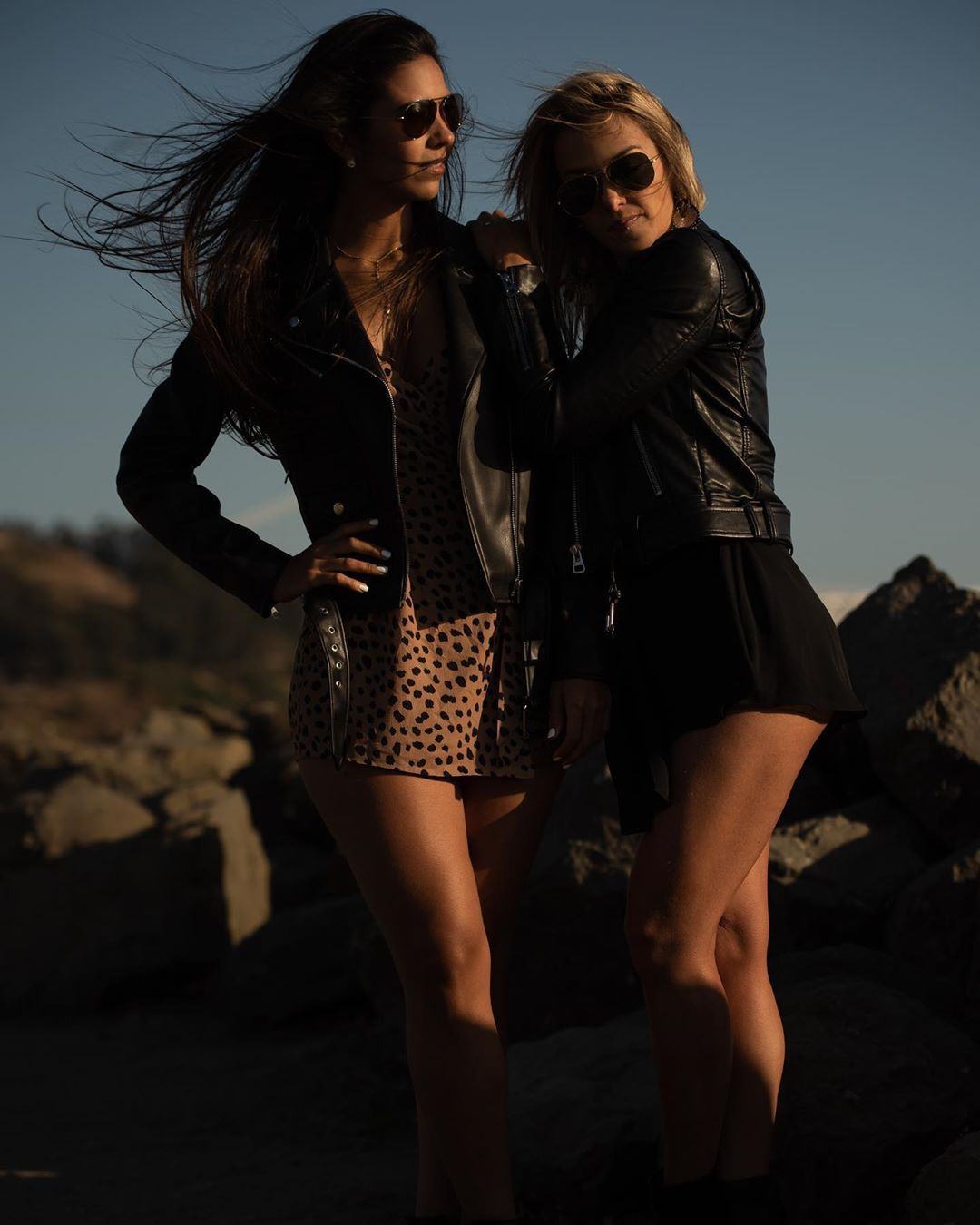 black colour outfit with leather leather, best photoshoot ideas, smooth legs