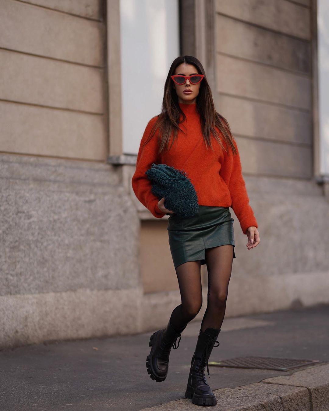 Silvia Caruso girls instagram photos, hot legs girls, legs photo