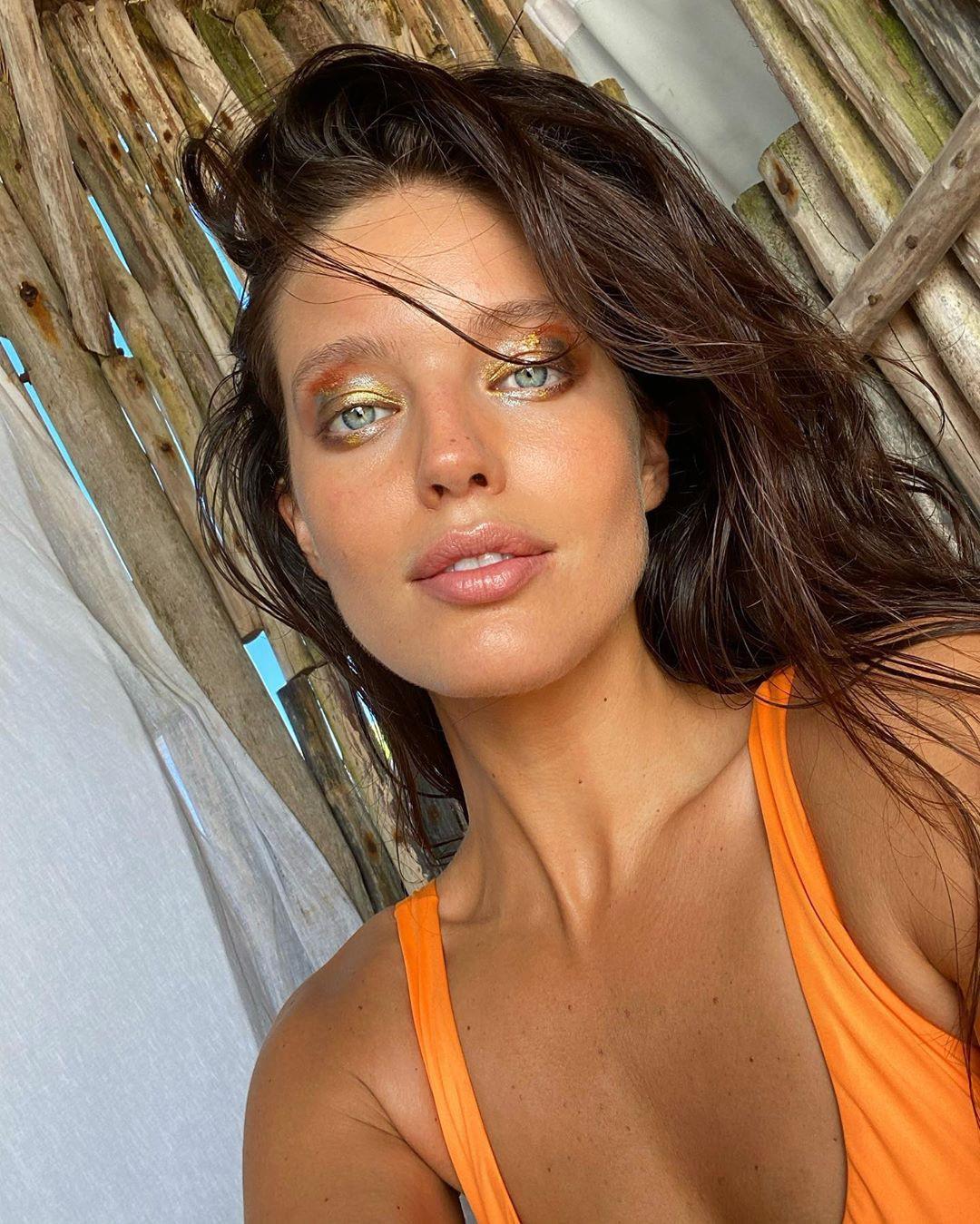 Emily DiDonato Black Hair Women, Glossy Lips, Easy Long Hairstyles