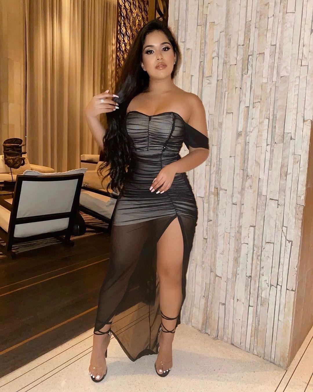 Sadey Ali dress outfit ideas, instagram photoshoot, hot legs