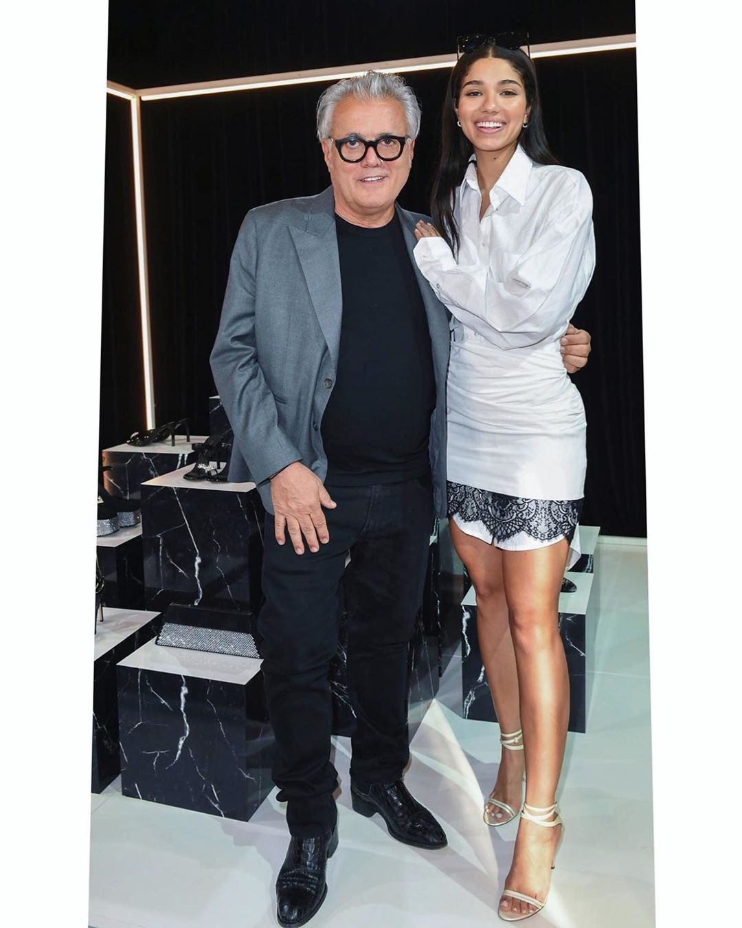 Yovanna Ventura dress colour outfit, you must try, legs photo, costumes designs
