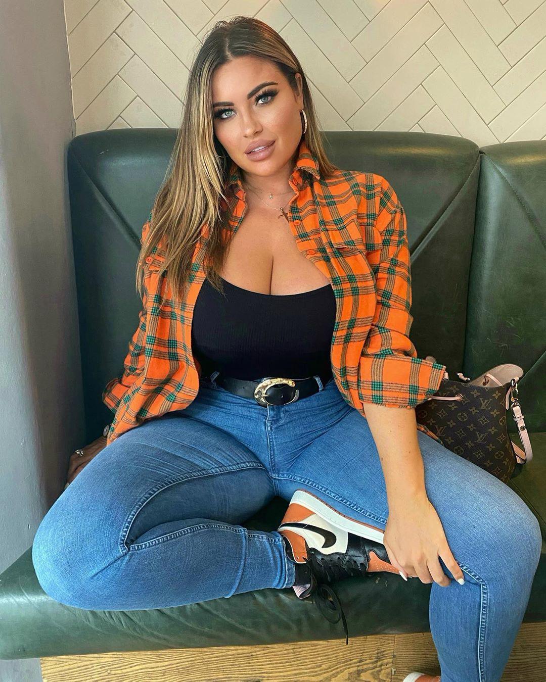 Hannah denim, jeans dress for women, photoshoot ideas