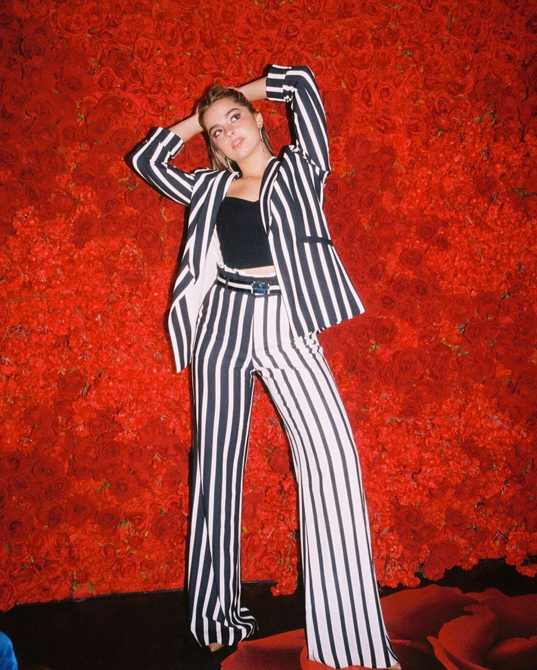 Addison Rae, fashion illustration, illustration, style