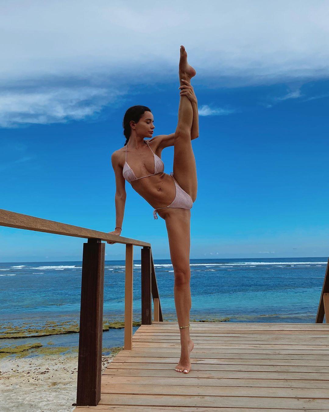 Ekaterina Zueva legs pic, body muscle, having fun