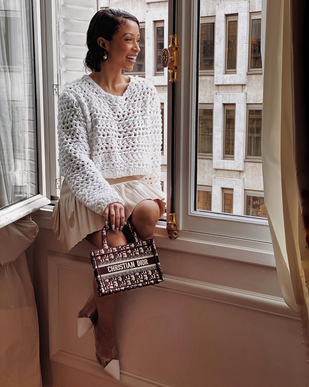 white clothing ideas with dress, photography ideas, sexy leg picture