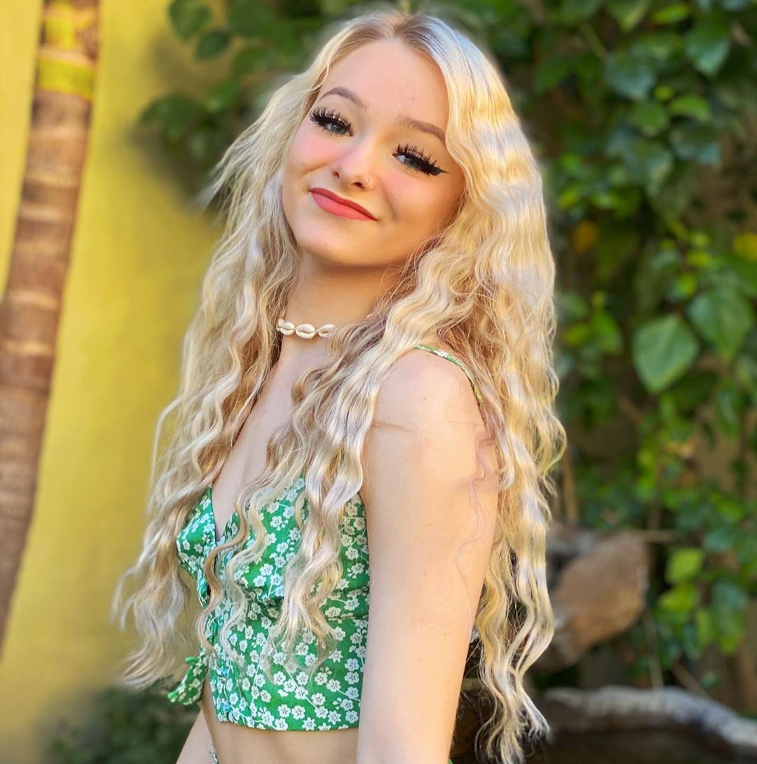 Zoe Laverne blond hairstyle, Bautiful Face, Long Hairstyle Ideas