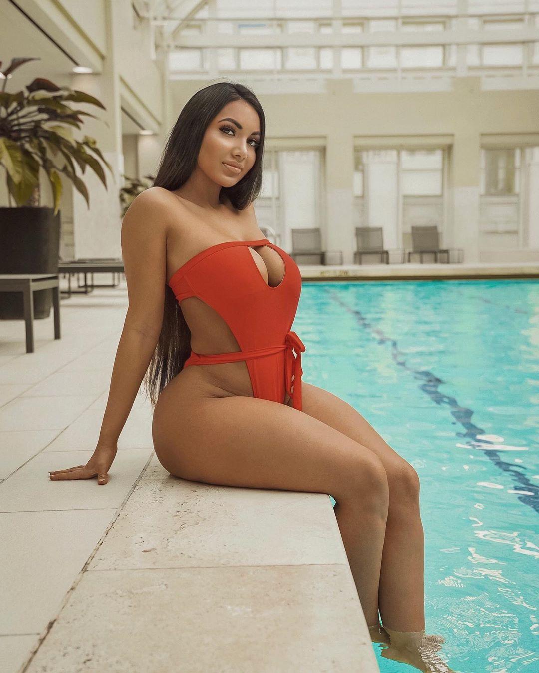 Aylen Alvarez lingerie, bikini swimwear matching outfit