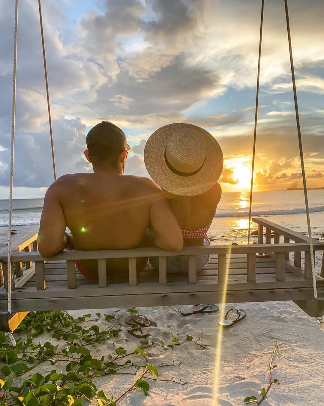 Amanda Ferguson fit & fine body, vacation, tropics