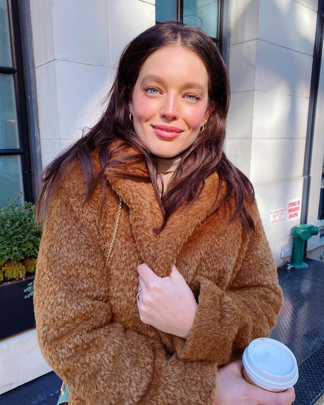 Emily DiDonato fur clothing, fur dress for girls, Beautiful Girl Cute Face