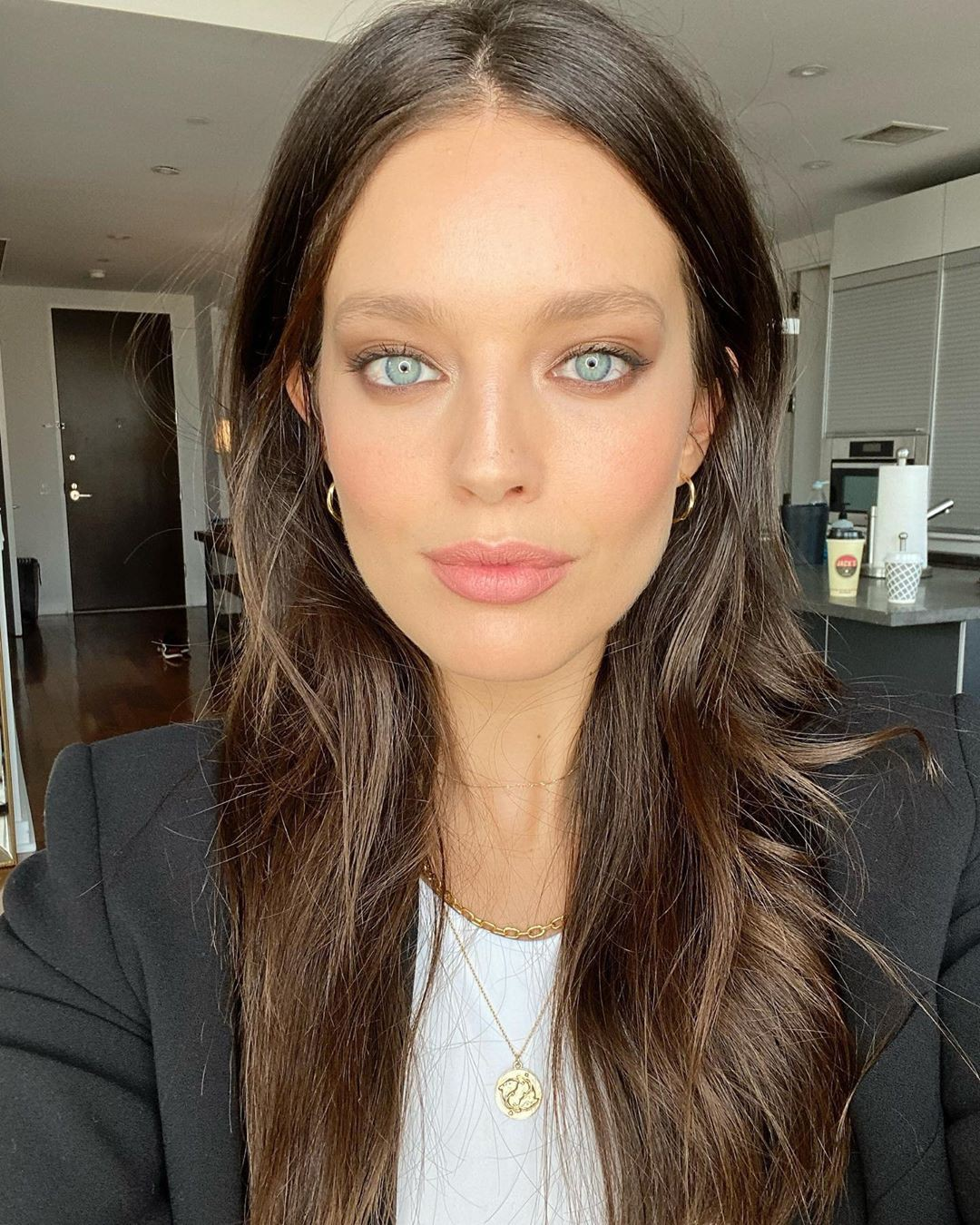 Emily DiDonato blond hairstyle, Face Makeup, Natural Lips