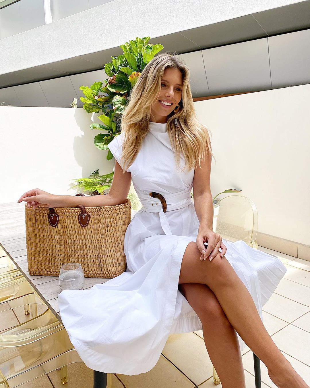 white outfits for girls with dress, legs pic, in blond hairs