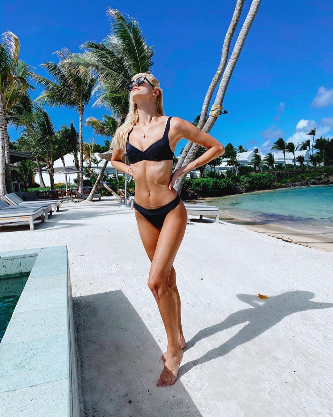 Devon Windsor Instagram Model Claims Tinder Banned, bikini bodies swimwear colour outfit