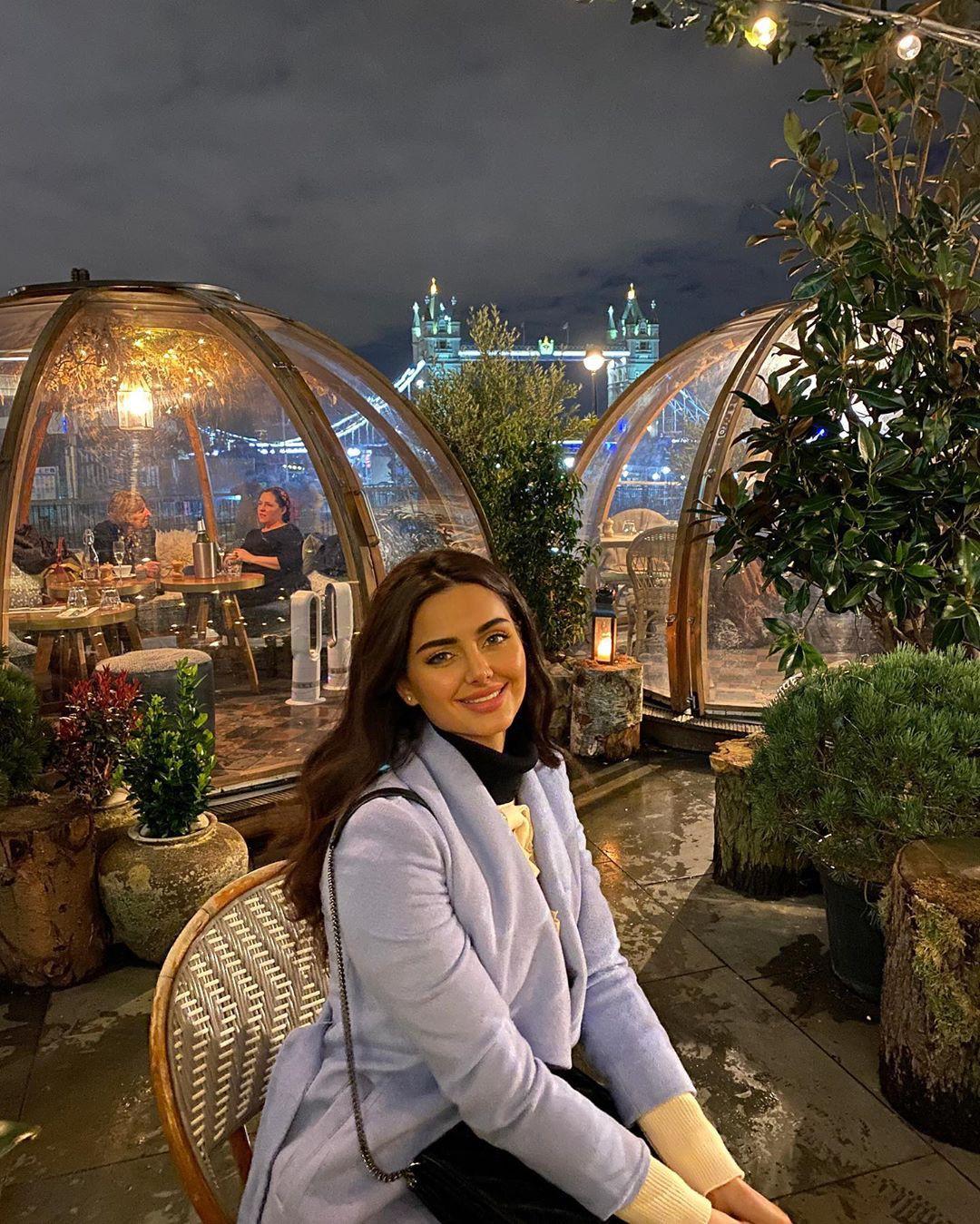 Mahlagha Jaberi cute girls photos, architecture, photography