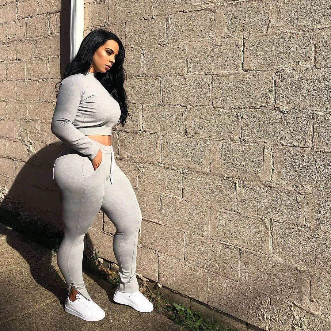 white colour ideas with sportswear, leggings, jeans