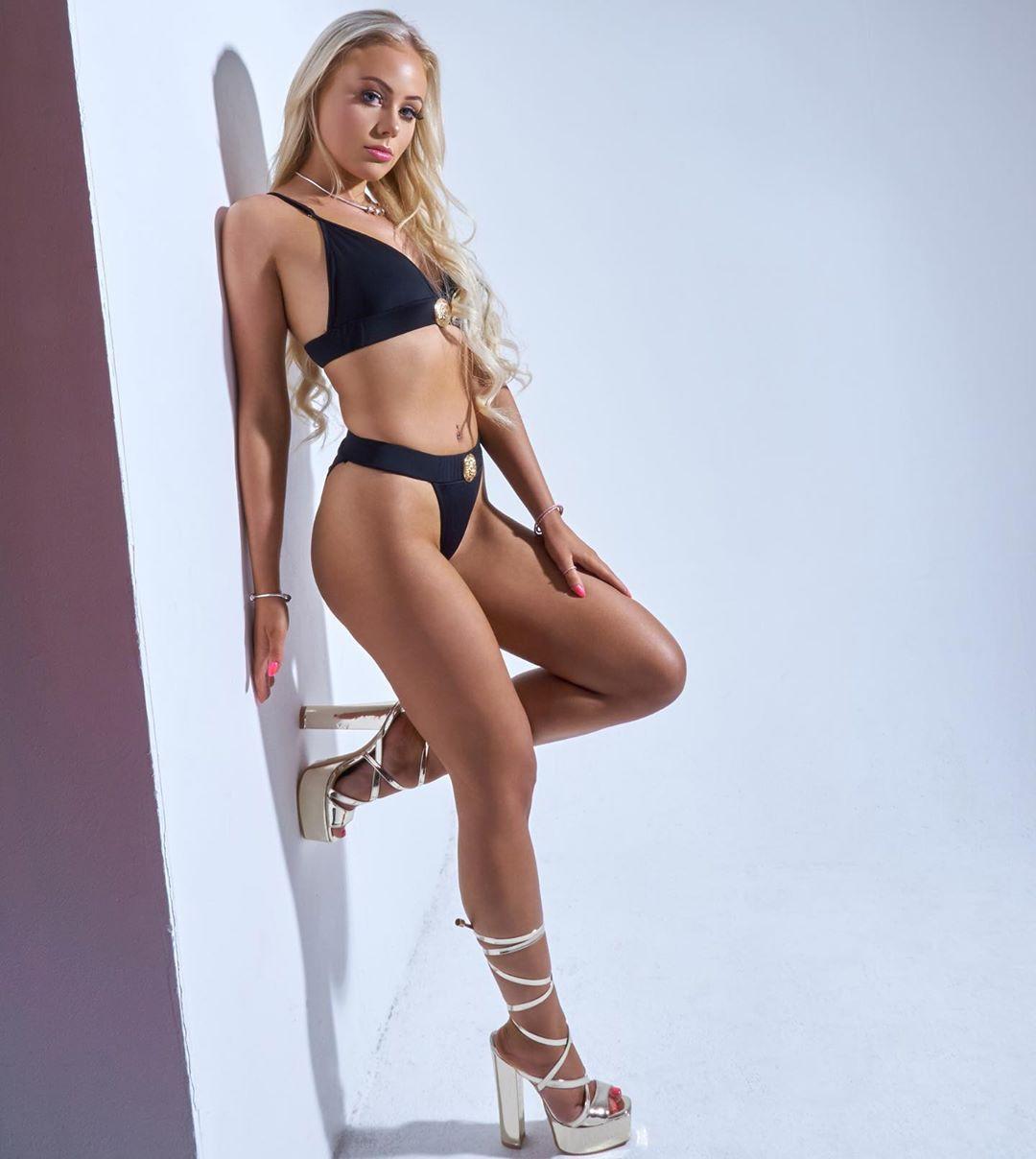 Gina Ogden lingerie, bikini outfits for girls, hot legs